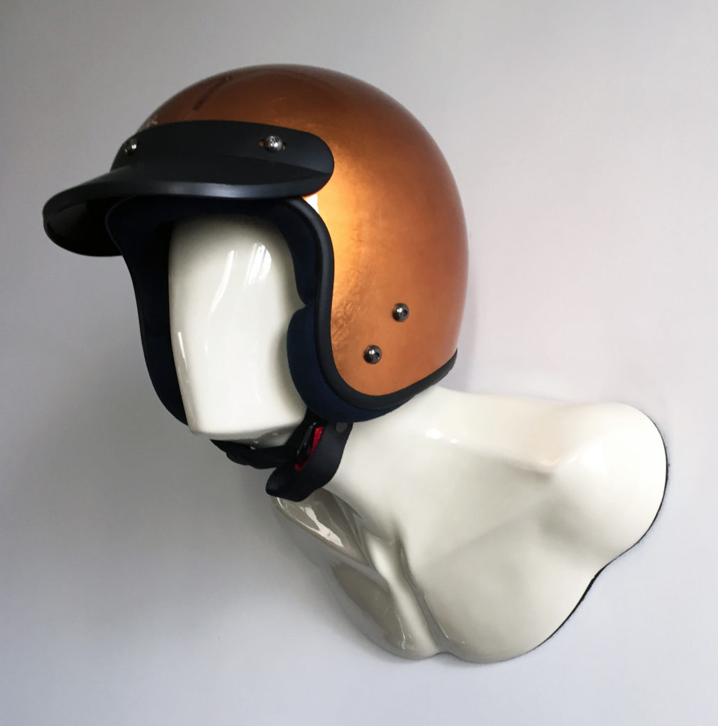 HELMET HOLDER WHITE BURT WITH COPPER VELDT HELMET