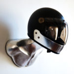 SILVER BURT HELMET HOLDER WITH FULLFACE CARBON VELDT HELMET 02