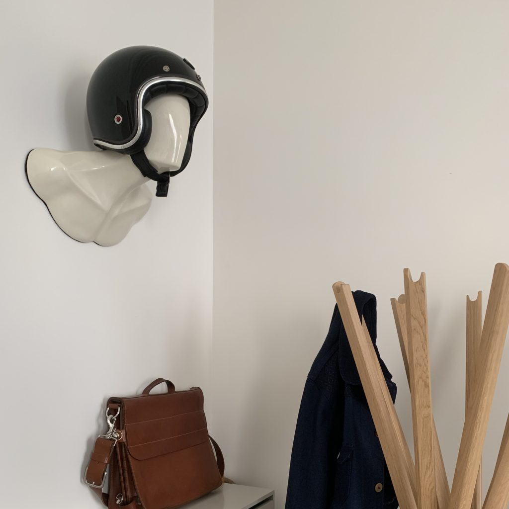 white burt helmet holder apartment 02